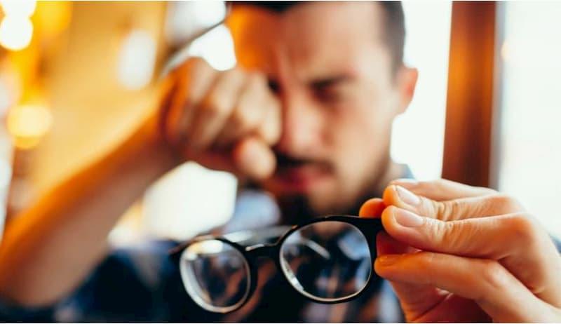 """""""Volta às aulas requer exame de acuidade visual em função do confinamento e aumento da exposição às telas"""", diz presidente da SBrO"""