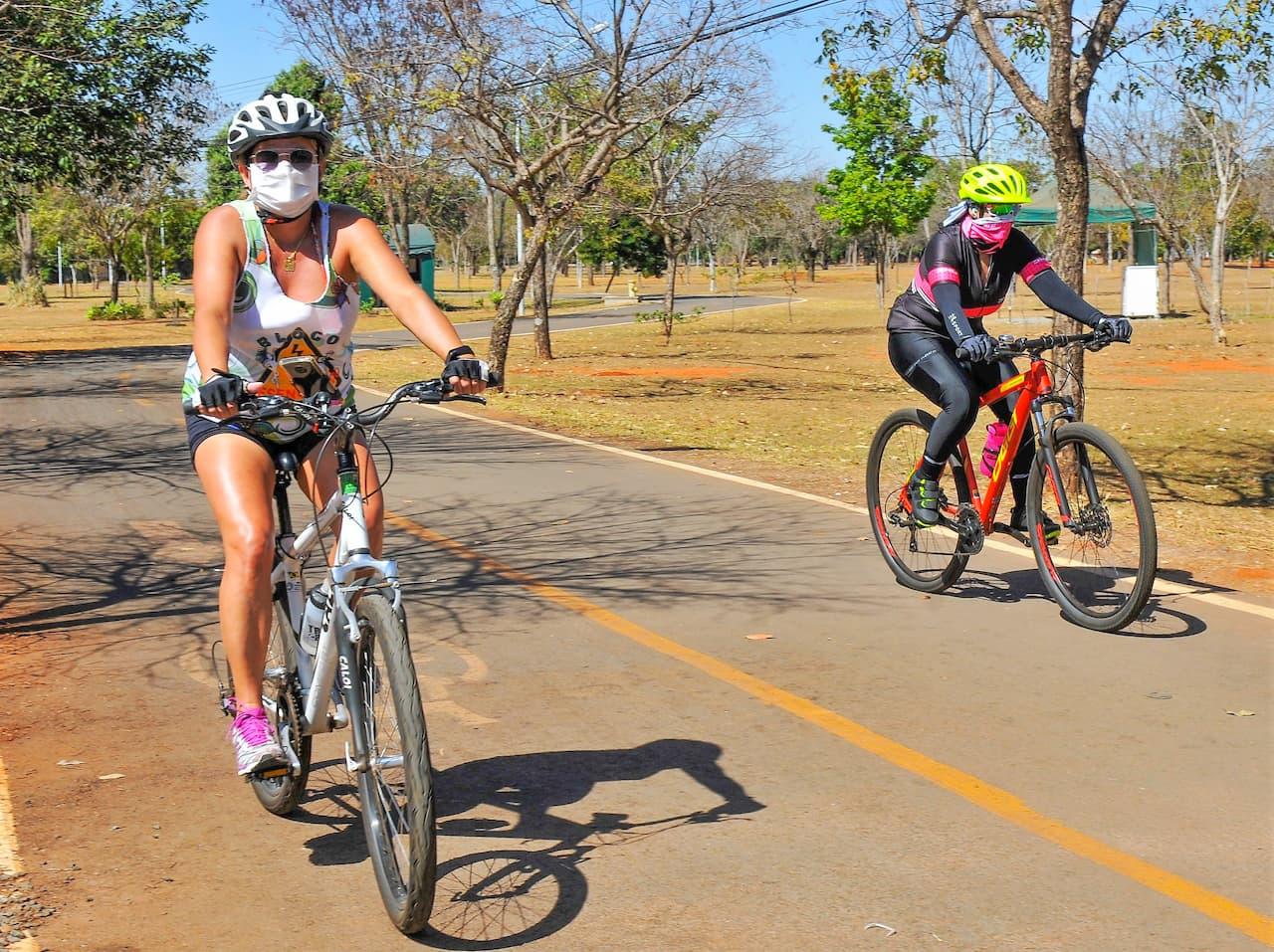 19.8-passeio-bicicleta-foto-Acácio-Pinheiro-Agência-Brasília (1)