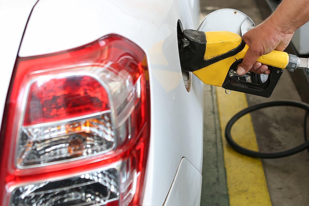 24.8-abastecimento_combustivel_posto_deniosimoes_agenciabrasilia (1)