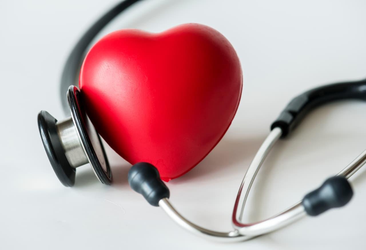Dia do Cardiologista: saiba mais do profissional que cuida do coração das pessoas