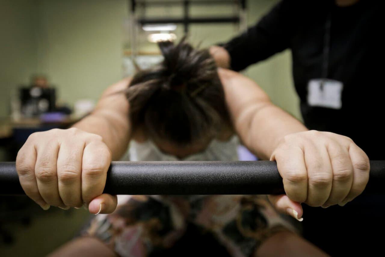 fisioterapia-pos-covid-19-FOTO-BRENO-ESAKI-AGÊNCIA-SAÚDE-DF (1)