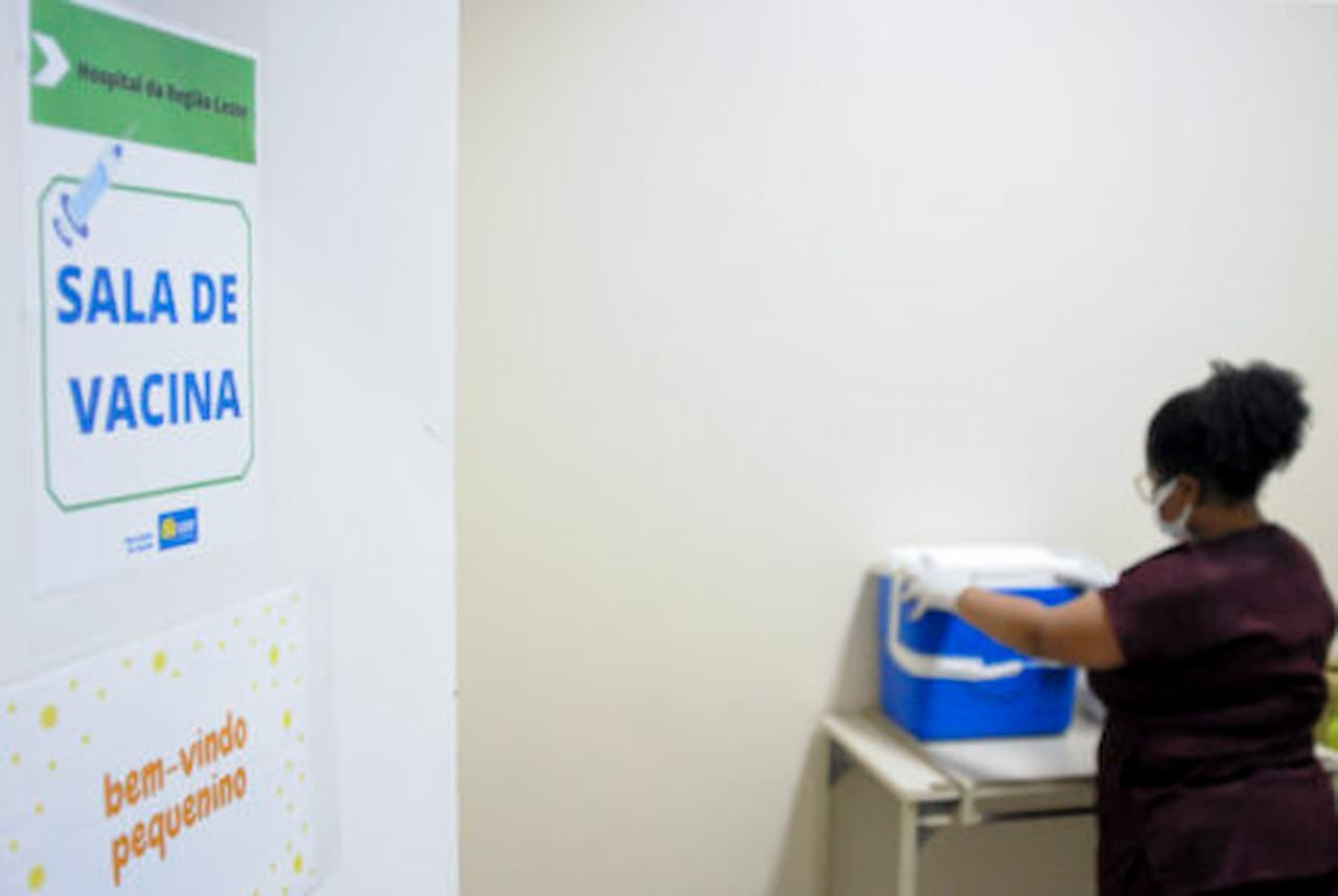 8.9.-Cobertura-vacinal.-FOTO-GEOVANA-ALBUQUERQUE-AGÊNCIA-SAÚDE-DF (1)