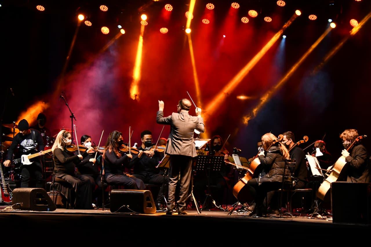 """Domingo Sinfônico com """"Pedro e o Lobo, Cirandas e Aquarelas"""" e """"Elton John Sinfônico Tribute"""""""