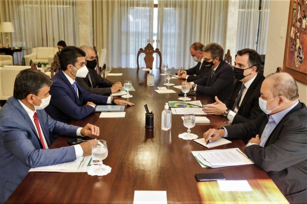 seis-chefes-do-executivo-incluindo-Ibaneis-Rocha-vacinação-em-pauta-foto-Pedro-Gontijo-Agência-Brasília